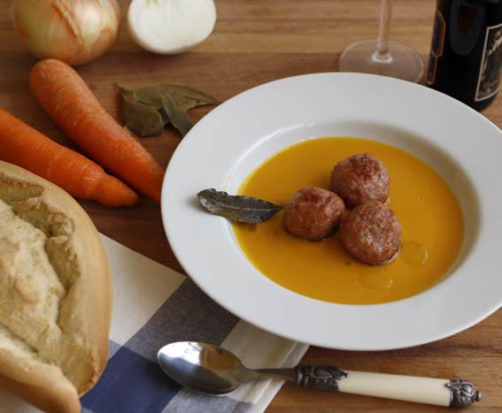 Albóndigas con salsa de cebolla y zanahoria 3