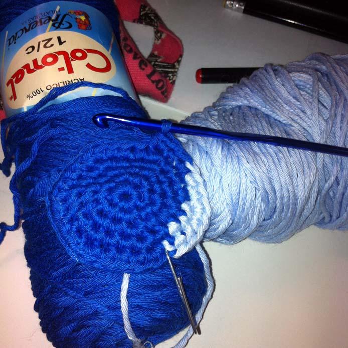 Use Crocheting In A Sentence : Como Tejer Un Chaleco A Crochet En Una Pieza Con Padron ...