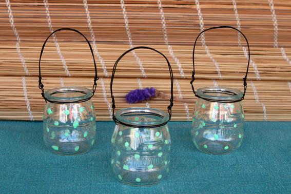 Reciclar botes de cristal portavelas mislaboresypunto for Reciclar botes de cristal decoracion