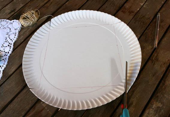 caja con plato de cartón 17