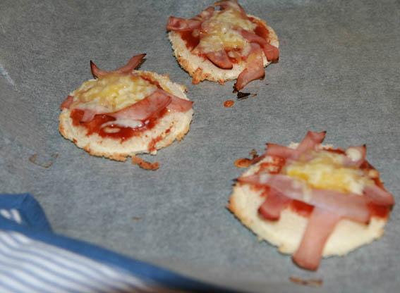 mini pizza pan molde 23