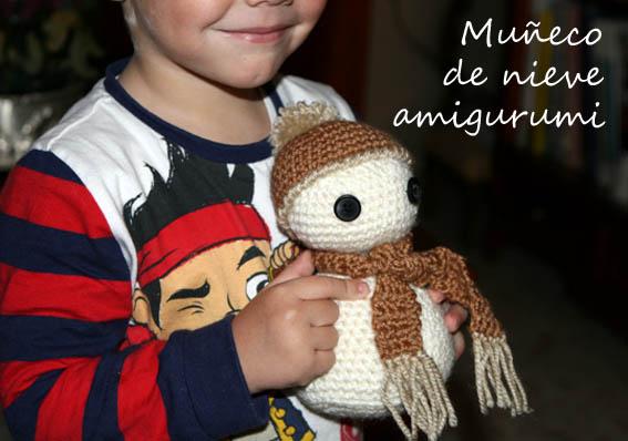 Muñeco de nieve amigurumi 12b