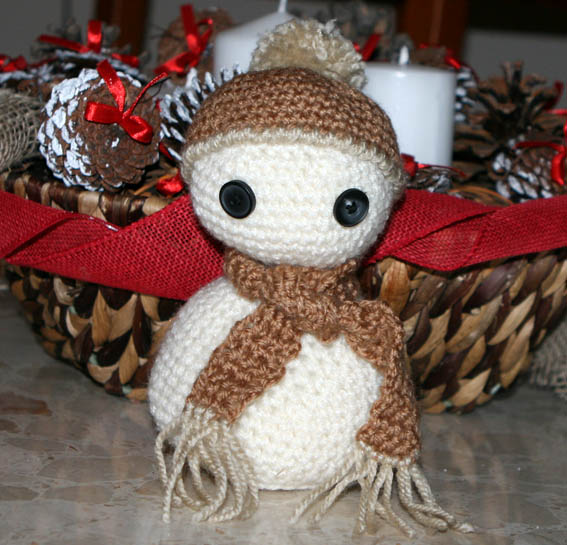 Muñeco de nieve amigurumi 15