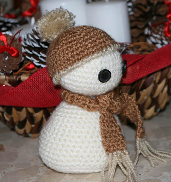 Muñeco de nieve amigurumi 18