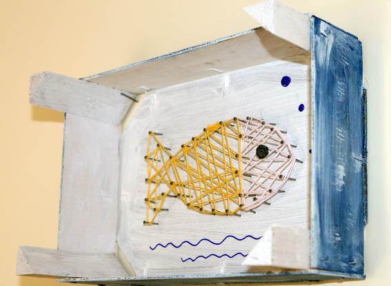 pez con clavos e hilo 18