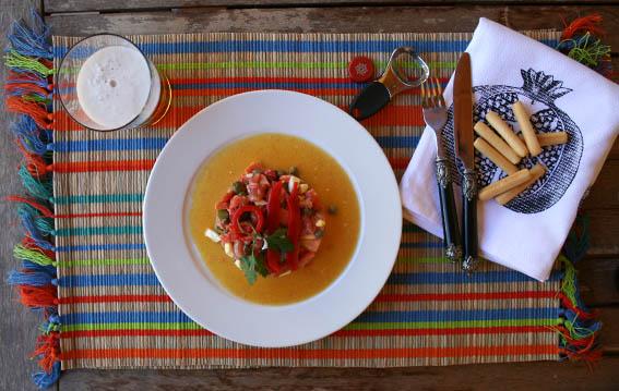 ensalada de salmón, pepinillos y alcaparras 9