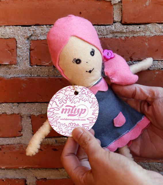 muñeca de fieltro 15