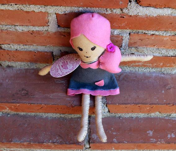 muñeca de fieltro 3b