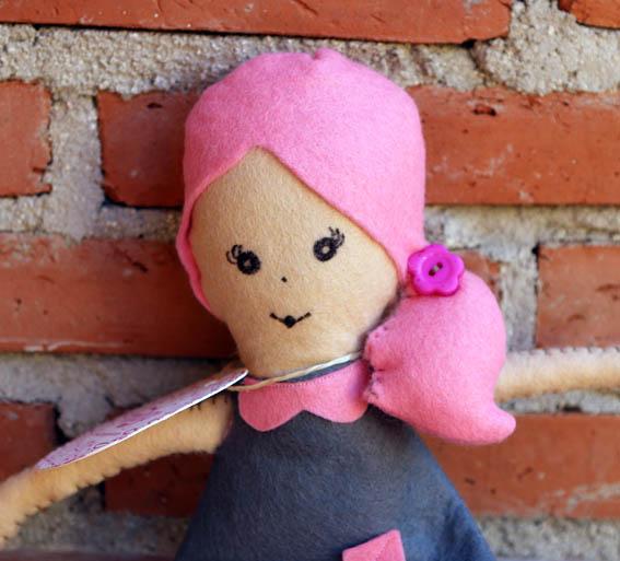 muñeca de fieltro 5