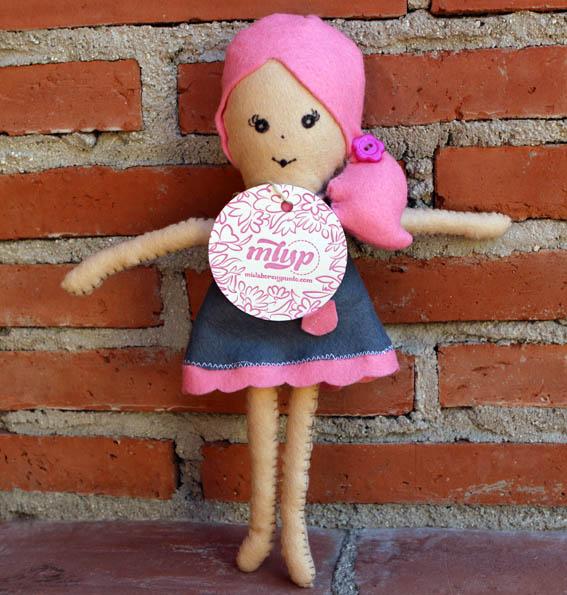 muñeca de fieltro 7