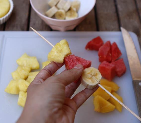 brochetas de frutas 5