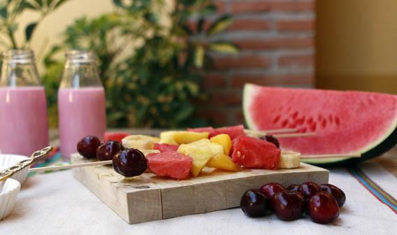 brochetas de frutas 6