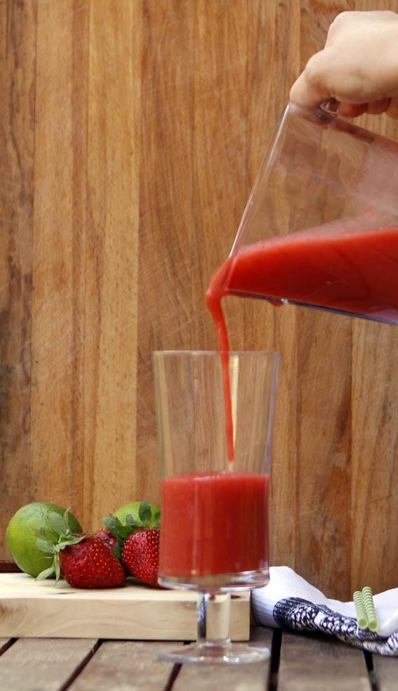 zumo de fresa, pera y lima 7