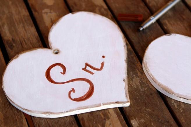 Corazones de madera para boda 22