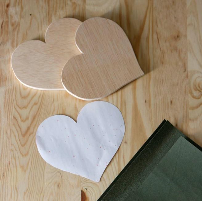 Corazones de madera para boda 6